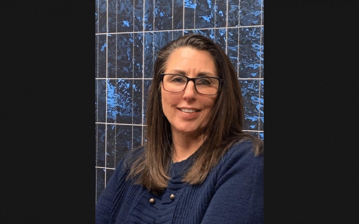 Lisa McCurty female headshot